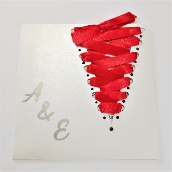 Corset blanc et rouge